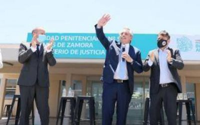 Alberto Fernández realiza acto en Lomas de Zamora para anunciar nuevo bono para jubilados