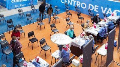 Se comenzará a vacunar a mayores de 50 años sin turno previo