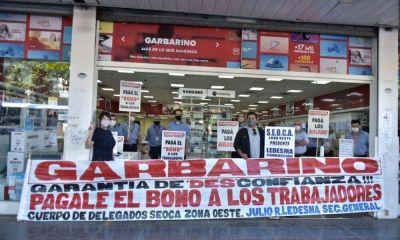 Semana clave: trabajadores de Garbarino protestan a la espera de un plan de pago de los sueldos adeudados