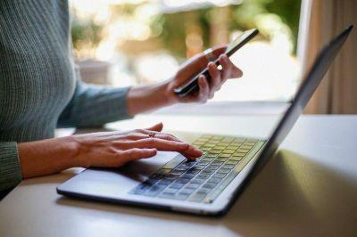 El Gobierno autorizó una suba del 5% retroactiva a julio en los precios de internet, telefonía y cable