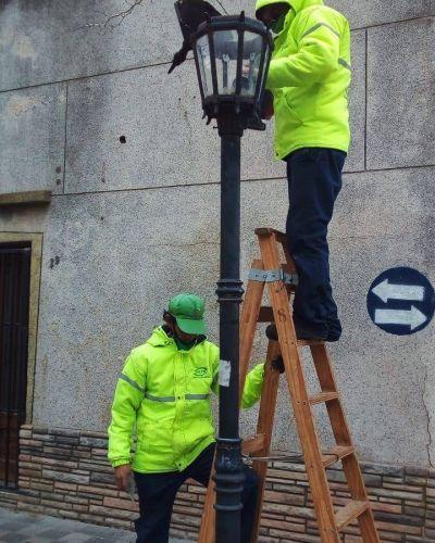 El Municipio realiza tareas de limpieza integral en la vía pública