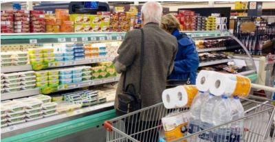Inflación: cuánto bajó el consumo en junio y qué productos cayeron más