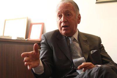 Moroni dialogó con la UIA sobre creación de empleo y ahora convoca a los gremios
