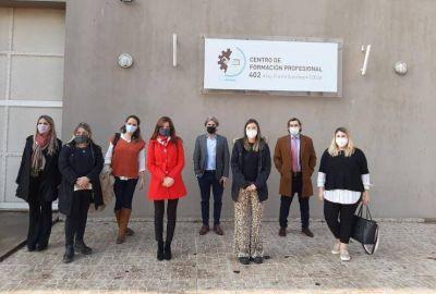 Funcionarios del Ministerio de Producción visitaron el Centro de Formación Profesional de Ezeiza