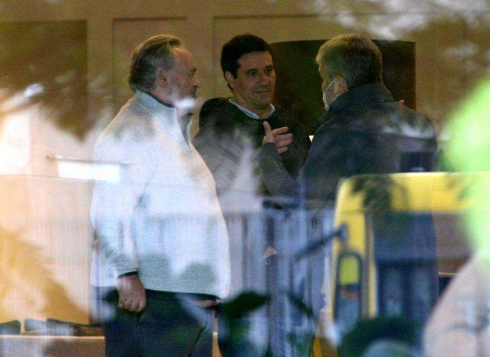 Montenegro y Abad negocian el cierre de alianzas en La Plata