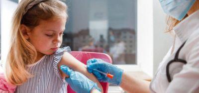 Comienza la vacunación pediátrica en Argentina: Estados Unidos donó tres millones de vacunas de Moderna