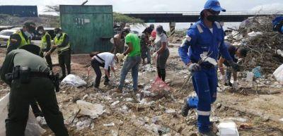 3,2 toneladas de residuos sólidos fueron retiradas del Parador Turístico de Cuatro Vías