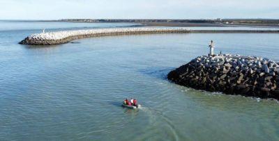 Puerto Rawson: capacitan sobre el impacto del plástico en el mar