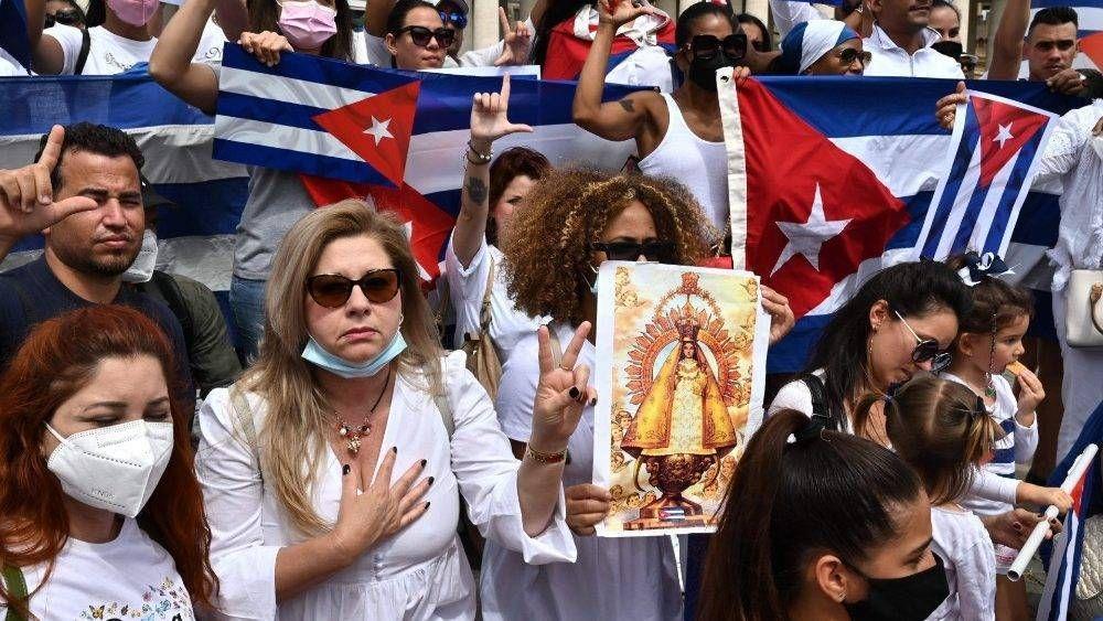 Francisco a los cubanos: