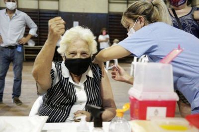 Provincia: El 96,67% de los mayores de 60 años se vacunó