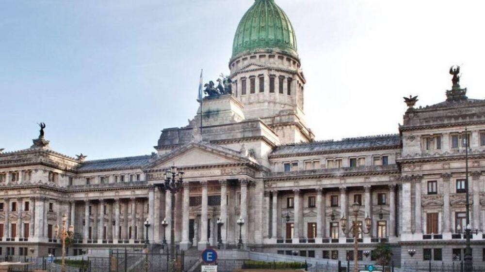 Tensión y negociaciones a contrarreloj en el FdT y JxC a una semana del cierre de listas
