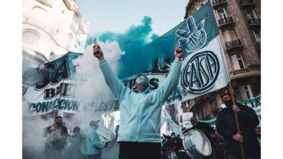 Sanidad: sin acuerdo paritario suman protestas y van al paro el viernes