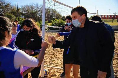 Alejo Chornobroff presenció el torneo de beach vóley en el marco de los Juegos Bonaerenses 2021