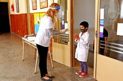Uepc apoyó el descuento de días a docentes que no se vacunen