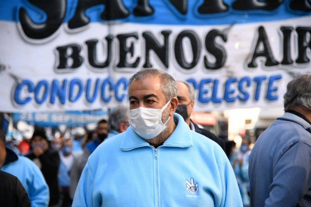 Héctor Daer volvió a la calle y compartió la movilización con el personal asistencial de Sanidad