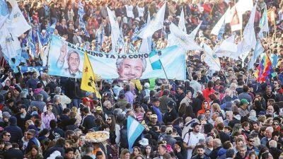 El armado de listas del FdT, a la espera del guiño final de Alberto y Cristina Fernández