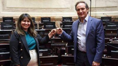 Espínola lidera la lista de senadores del Frente de Todos con respaldo de Cristina