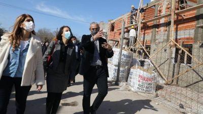 Ferraresi y la embajadora de Francia recorrieron obras en Avellaneda