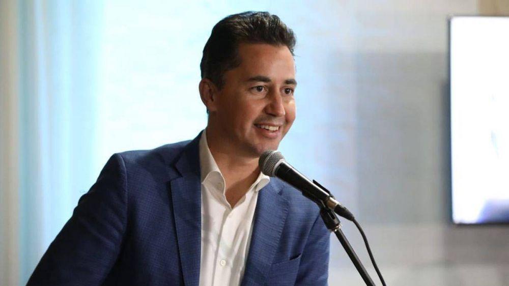 Calvo visita la ciudad para firmar un convenio por pavimentación en ocho barrios