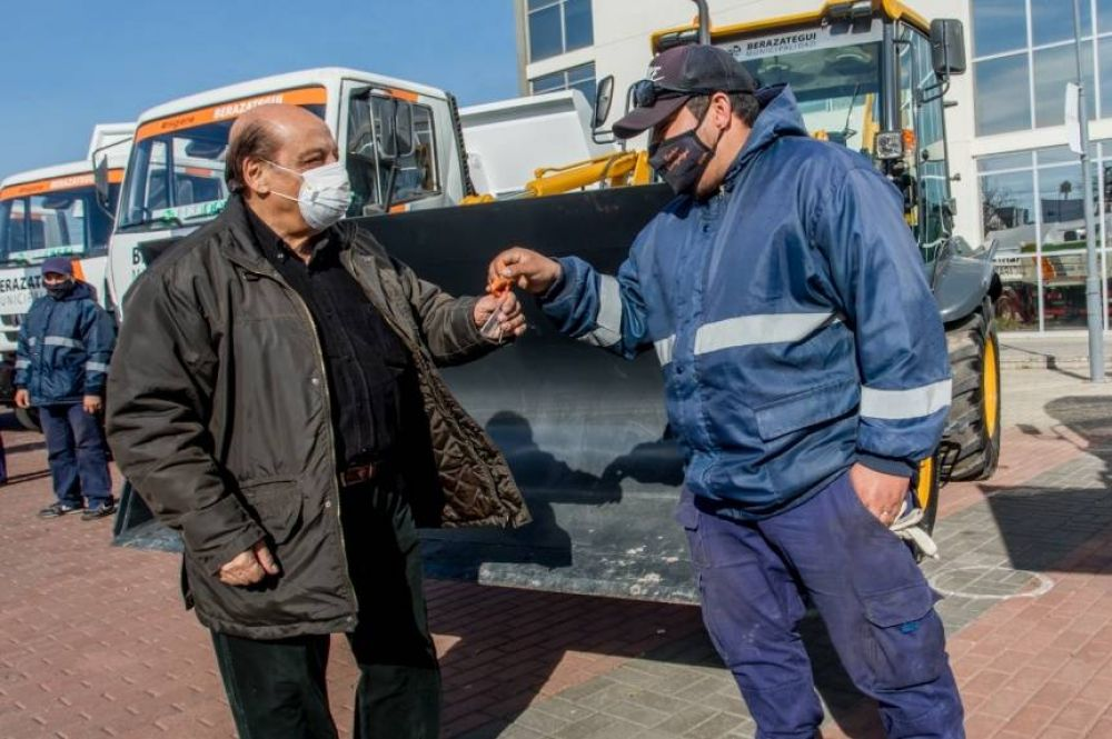 Berazategui potencia sus servicios públicos con nuevos camiones y maquinarias