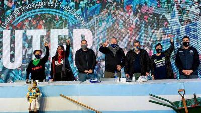 Los movimientos sociales vinculados al oficialismo salen a pelearle poder a los intendentes bonaerenses