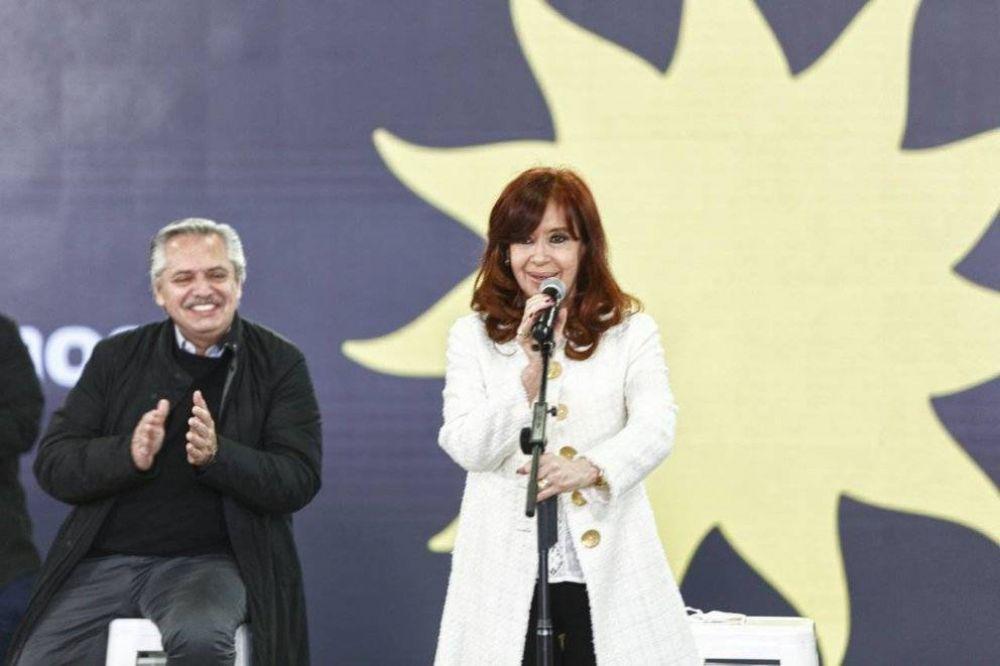 Cristina Kirchner lanzó la campaña del Frente de Todos con un guiño al FMI mientras la oposición acapara la centralidad
