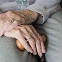 Los ancianos acumulan más que años