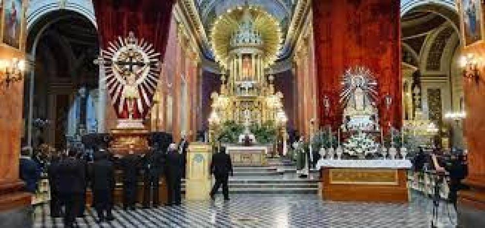 Entronización de las sagradas imágenes inician el camino hacia la Fiesta del Milagro