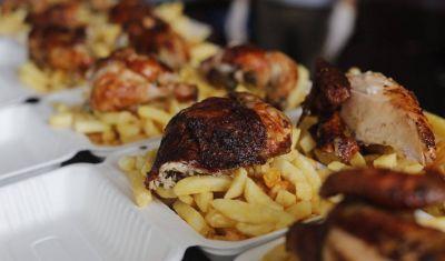 Marca de gaseosa beneficia a comedores populares con apoyo a restaurantes