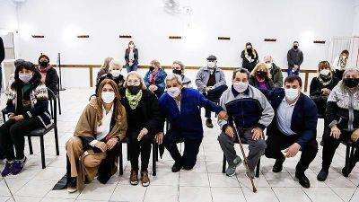 Alejo Chornobroff y Magdalena Sierra inauguraron obras en un centro de jubilados de Sarandí