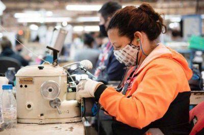 Cómo es el plan de empleo joven que busca reducir la brecha de género y crear 50.000 nuevos puestos