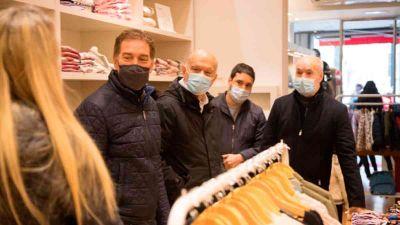 Comenzó la campaña: Santilli recorrió Lanús