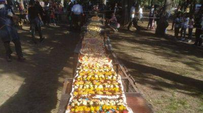 Córdoba: cocinaron una pizza a la parrilla de 14 metros