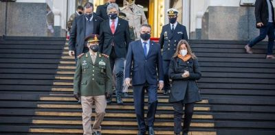 """Cuatro nombres, sin certezas y """"operaciones"""" en marcha para suceder a Agustín Rossi en el Ministerio de Defensa"""