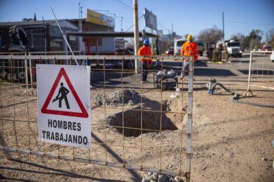 Avanzan los trabajos para dotar de cloacas a 12 barrios de Banda Norte