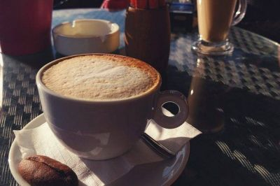 Coca-Cola compraría Costa Coffee y competir con Starbucks