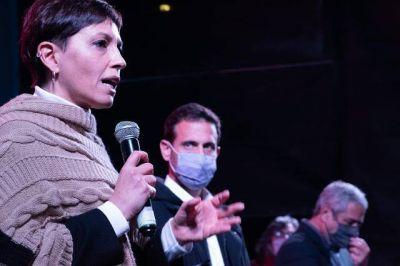 Julián Álvarez presentó la lista de precandidatos del Frente de Todos junto a Jorge Ferraresi y Mayra Mendoza