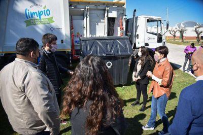 Mayra presentó nuevos camiones para la recolección de basura y anunció la instalación de 200 contenedores