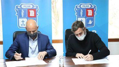 El intendente Achával y el secretario Merediz firmaron convenios para potenciar el trabajo en Pilar