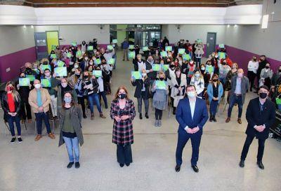 Chornobroff y Sierra entregaron subsidios por un total de 64 millones de pesos a 37 instituciones educativas de Avellaneda