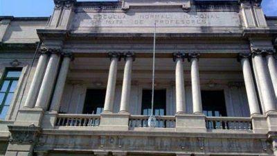 Córdoba: Diez burbujas aisladas por casos de Covid en el colegio Carbó