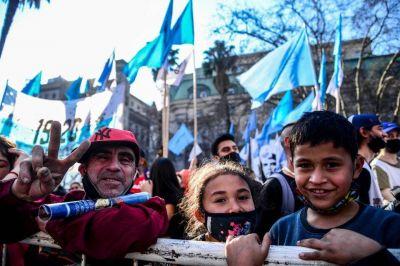 Día de San Cayetano: los movimientos sociales marcharon a Plaza de Mayo