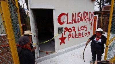 """Pueblos nahuas en Puebla """"clausuraron"""" pozo de embotelladora"""