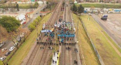 """¿Se viene otro día complicado para el Tren Roca? """"Ferroviarios en Lucha"""" reclamarán en Avellaneda"""