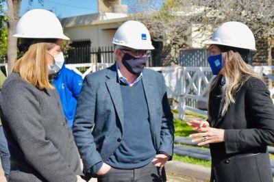 Malena Galmarini y Julio Zamora recorrieron una red de agua que beneficiará a vecinos de Don Torcuato