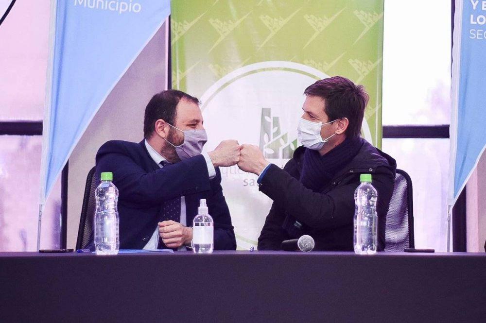"""Mantegazza se reunió con Girón y firmó la adhesión del Municipio al programa """"Te Sumo"""""""