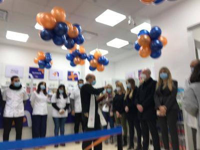 Se inauguró la farmacia mutual De la Federacion de Circulos Catolicos de Obreros