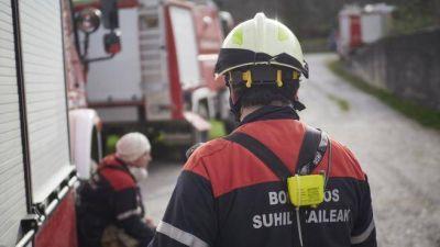Un incendio afecta a una empresa de reciclaje de residuos de Estella, sin causar heridos