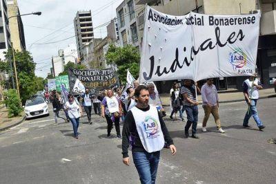 Salarios: La Provincia convocó a los Judiciales para este miércoles
