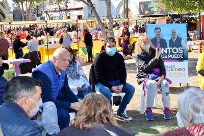 Grindetti y Sala se reunieron con vecinos en la plaza San Martín
